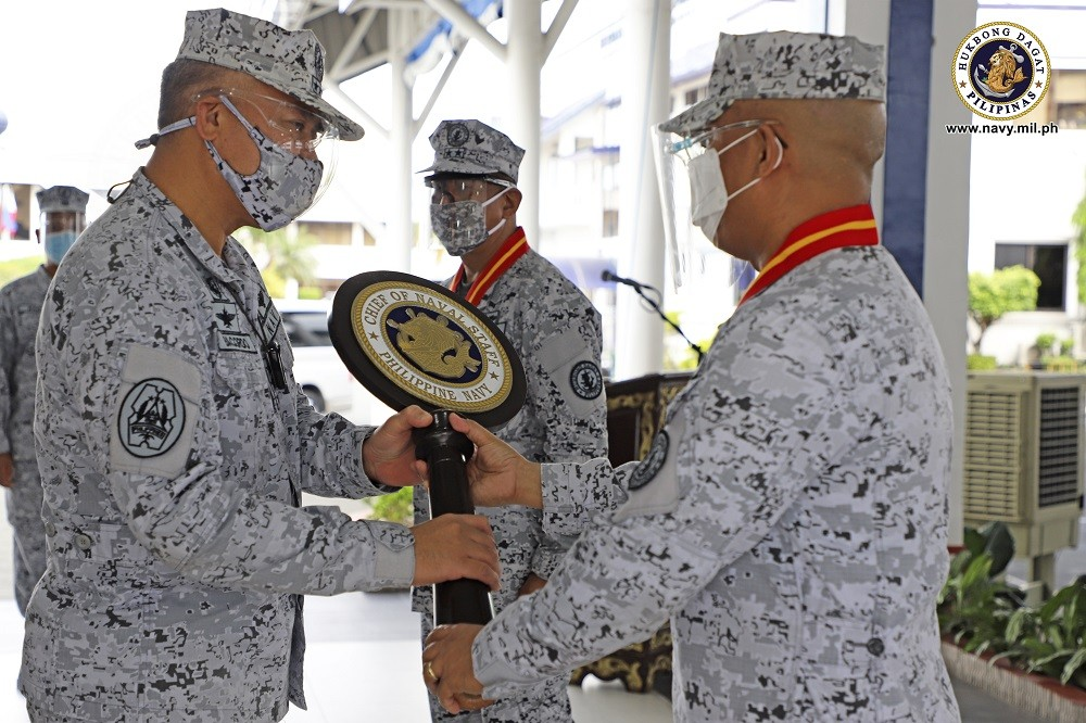 Image Title: Navy transitions chief of staff, inspector general posts