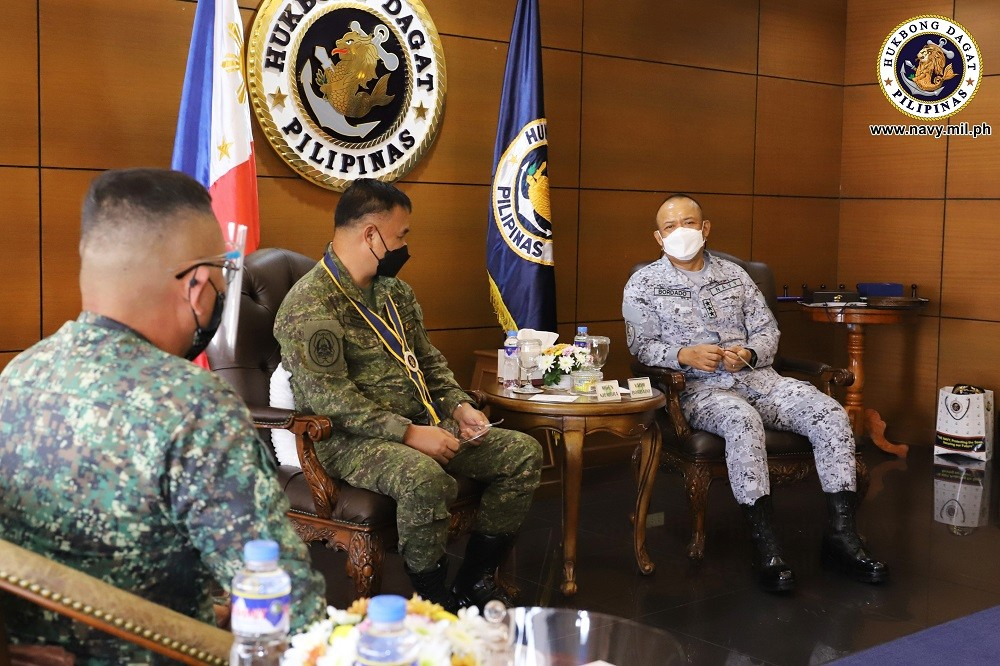 Image Title:  ISAFP chief visits Navy headquarters